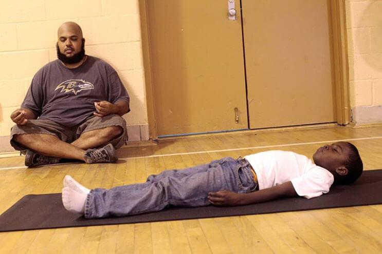 este-colegio-ha-cambiado-las-horas-de-detencion-por-yoga-3