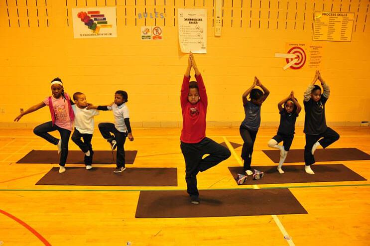 este-colegio-ha-cambiado-las-horas-de-detencion-por-yoga-5