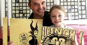 Este padre demuestra cuánto ama a su hija haciéndole dibujos todos los días