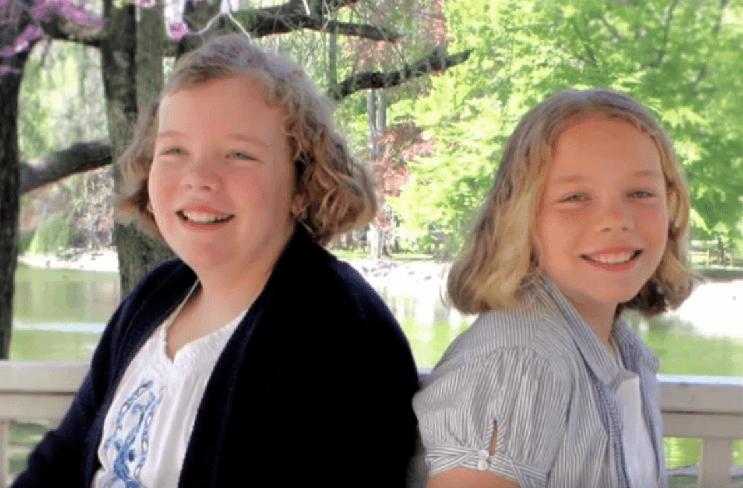 la-conexion-que-tiene-estas-dos-gemelas-hizo-que-una-ellas-salve-su-vida-2