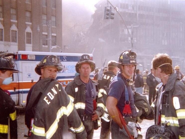 la-historia-de-este-actor-tras-el-911-lo-convierte-es-un-heroe-en-la-vida-real-tapado
