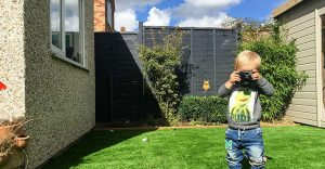 Le dieron una cámara fotográfica a este bebé y el resultado es increíble