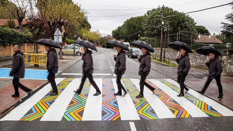 madrid-convierte-sus-lineas-peatonales-en-coloridas-obras-de-arte-beatles