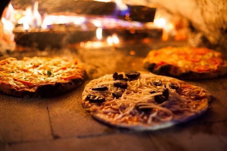 un-campamento-de-pizza-que-convierte-el-sueno-de-muchos-en-realidad-horno