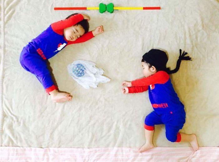 una-madre-hace-que-sus-gemelos-vivan-grandes-aventuras-mientras-ellos-duermen-pelea