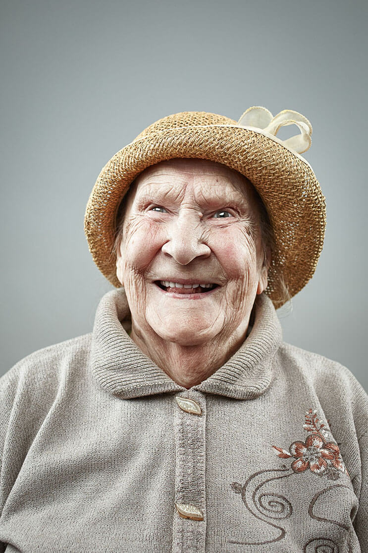 una-sesion-fotografica-que-nos-muestra-que-la-sonrisa-nunca-envejece-2