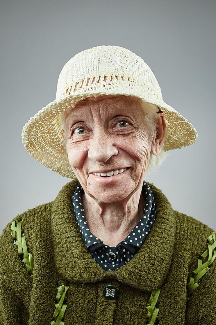una-sesion-fotografica-que-nos-muestra-que-la-sonrisa-nunca-envejece-6