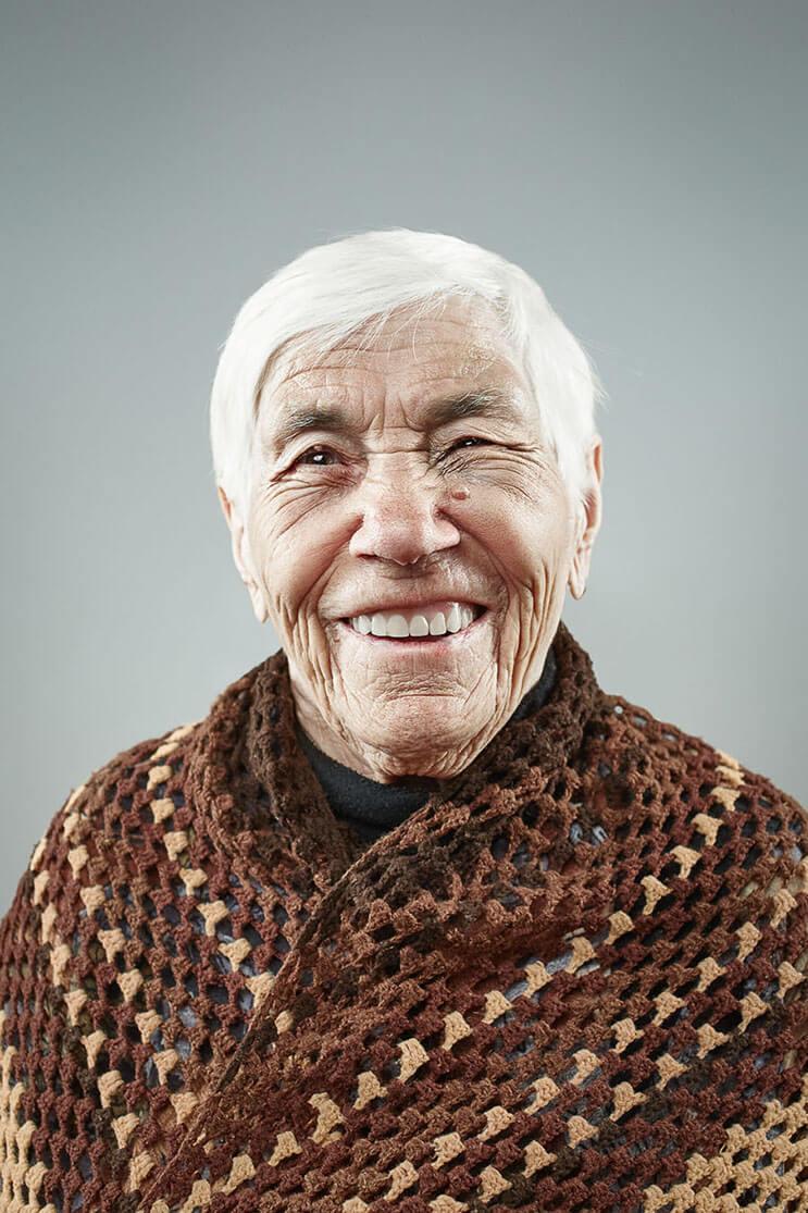 una-sesion-fotografica-que-nos-muestra-que-la-sonrisa-nunca-envejece-7