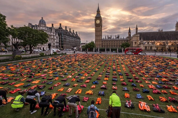 lifejackets-has-been-placed-outside-the-houses-of-parliament-sol