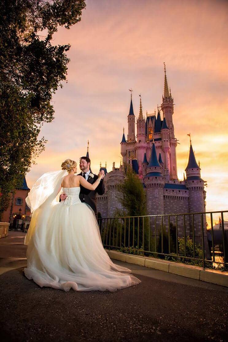 ahora-podras-casarte-en-disney-y-hacer-de-tu-boda-un-cuento-de-hadas-10
