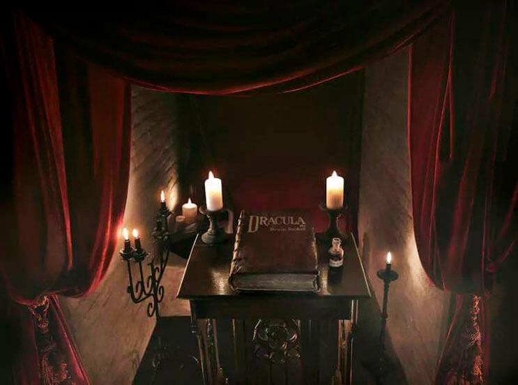 ahora-puedes-alojarte-en-la-mansion-de-dracula-esta-noche-de-brujas-gracias-a-airbnb-2