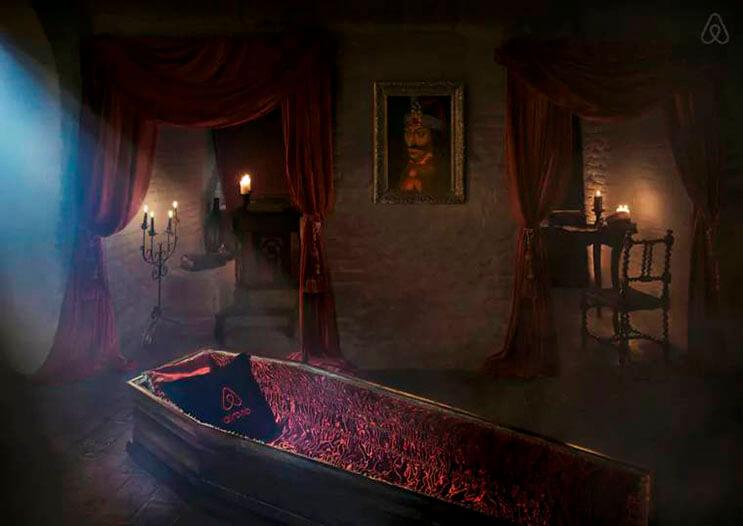 ahora-puedes-alojarte-en-la-mansion-de-dracula-esta-noche-de-brujas-gracias-a-airbnb-6