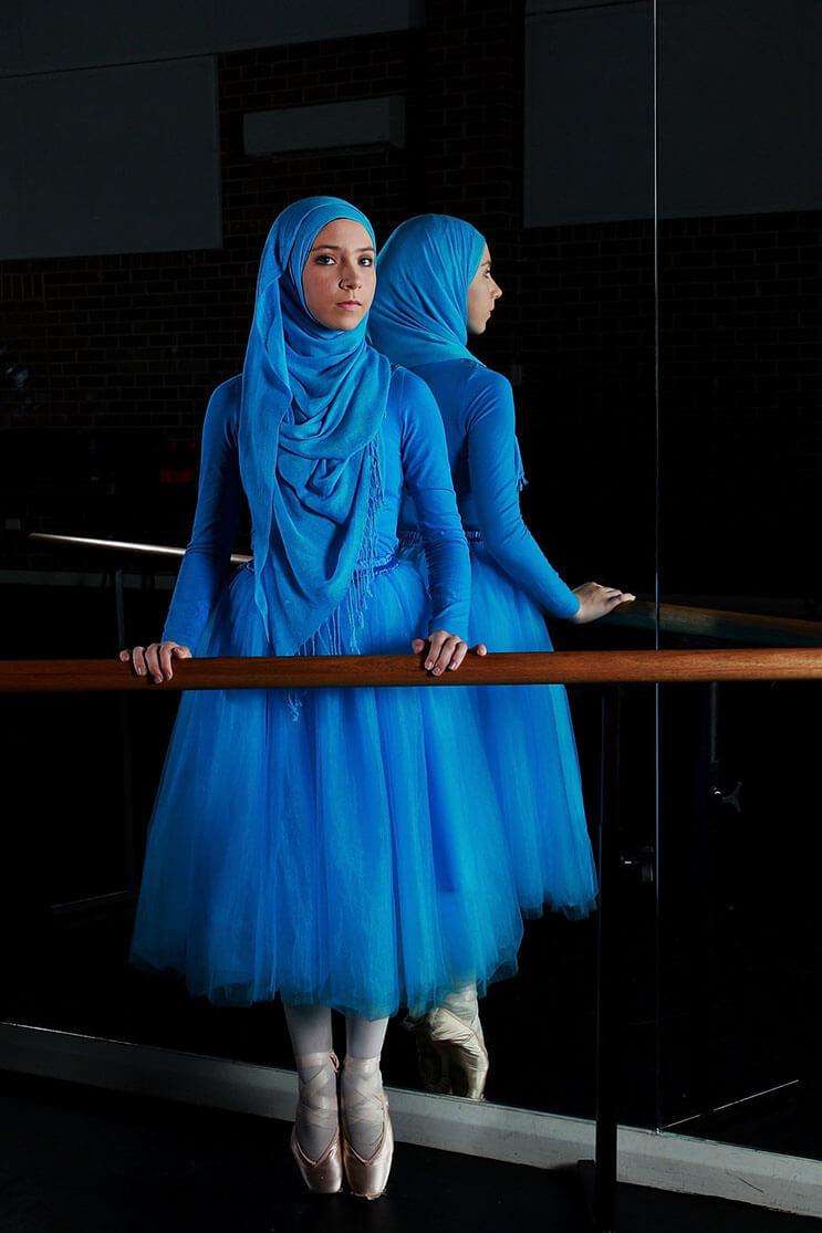 bailarina-con-un-hiyab-nos-muestra-como-esta-danza-y-la-cultura-pueden-emerger-1
