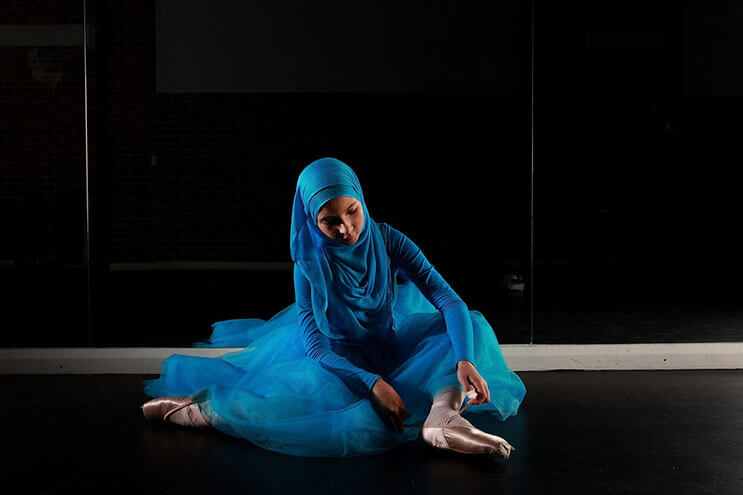 bailarina-con-un-hiyab-nos-muestra-como-esta-danza-y-la-cultura-pueden-emerger-4