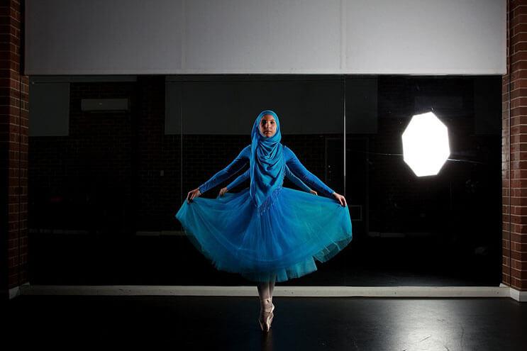 bailarina-con-un-hiyab-nos-muestra-como-esta-danza-y-la-cultura-pueden-emerger-5