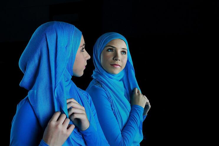 bailarina-con-un-hiyab-nos-muestra-como-esta-danza-y-la-cultura-pueden-emerger-6