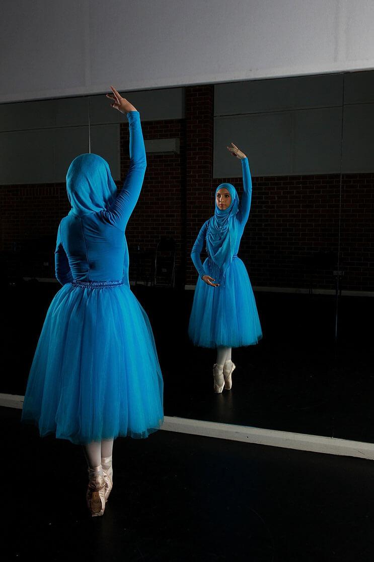 bailarina-con-un-hiyab-nos-muestra-como-esta-danza-y-la-cultura-pueden-emerger-8