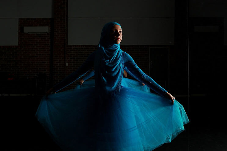 bailarina-con-un-hiyab-nos-muestra-como-esta-danza-y-la-cultura-pueden-emerger-9