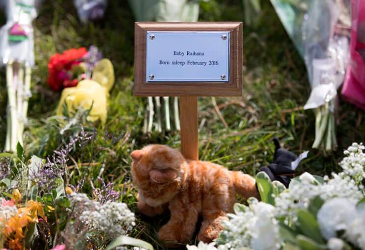 cientos-de-personas-acudieron-al-funeral-de-esta-nina-que-fue-dejada-a-su-suerte-en-plena-calle-2