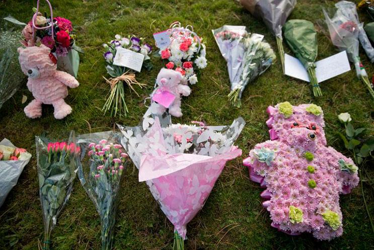 cientos-de-personas-acudieron-al-funeral-de-esta-nina-que-fue-dejada-a-su-suerte-en-plena-calle-4