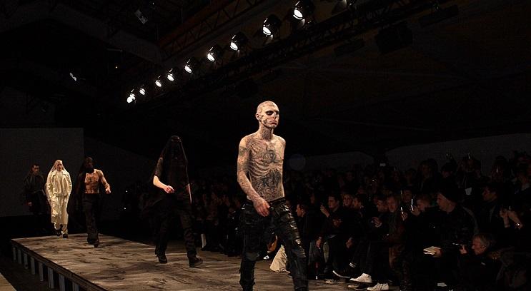 conoce-a-rick-genest-el-hombre-con-mas-tatuajes-en-el-mundo-11