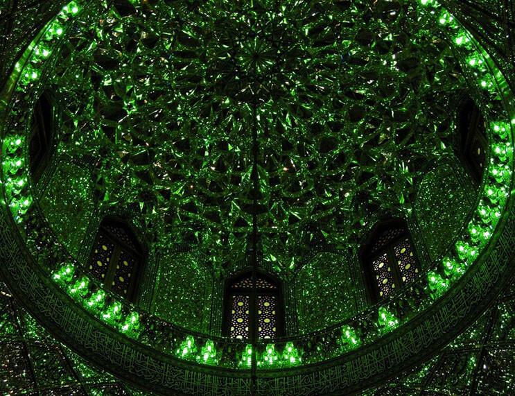 el-interior-de-esta-mezquita-en-iran-le-da-otro-significado-a-la-belleza-10