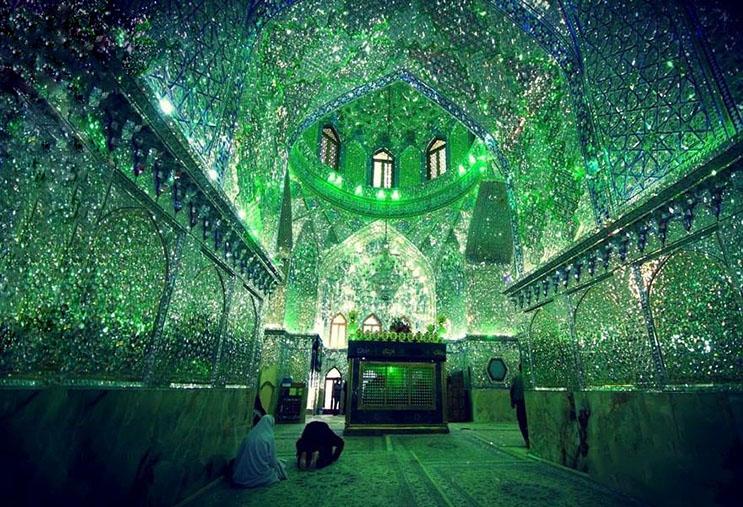 el-interior-de-esta-mezquita-en-iran-le-da-otro-significado-a-la-belleza-2