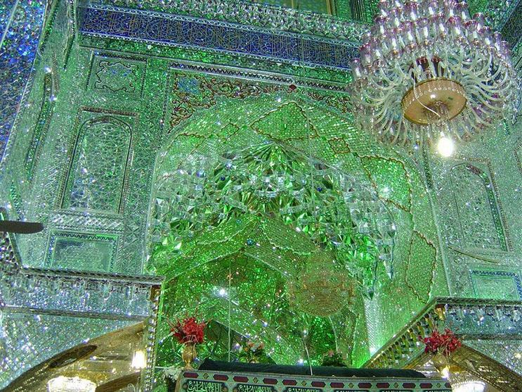 el-interior-de-esta-mezquita-en-iran-le-da-otro-significado-a-la-belleza-4