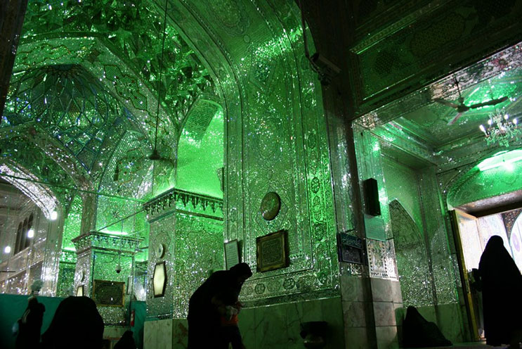 el-interior-de-esta-mezquita-en-iran-le-da-otro-significado-a-la-belleza-6