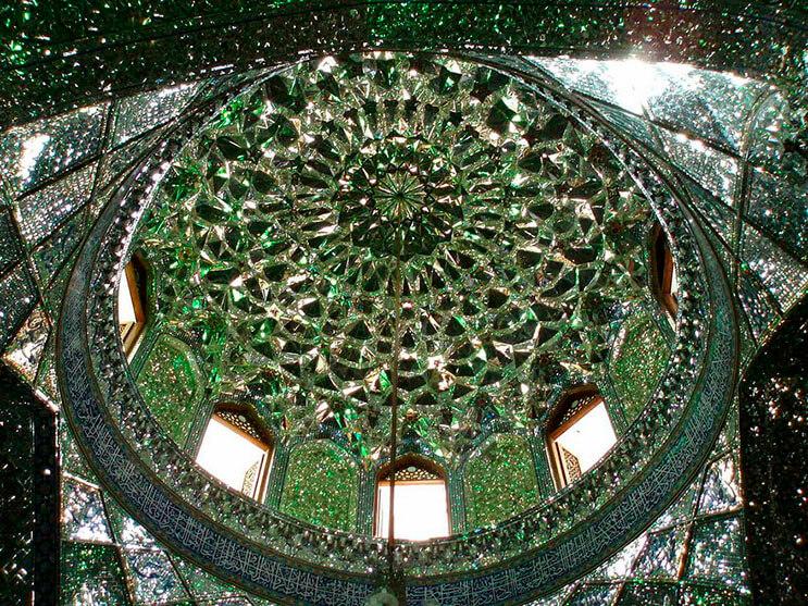el-interior-de-esta-mezquita-en-iran-le-da-otro-significado-a-la-belleza-7