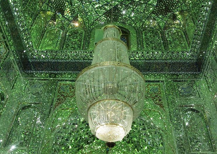 el-interior-de-esta-mezquita-en-iran-le-da-otro-significado-a-la-belleza-8
