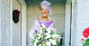 Esta abuela se volvió a casar a los 86 años con un vestido hecho por ella misma