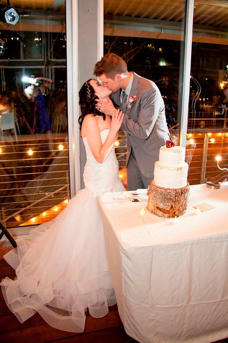 esta-boda-tuvo-un-adorno-de-disney-diferente-en-cada-centro-de-mesa-3