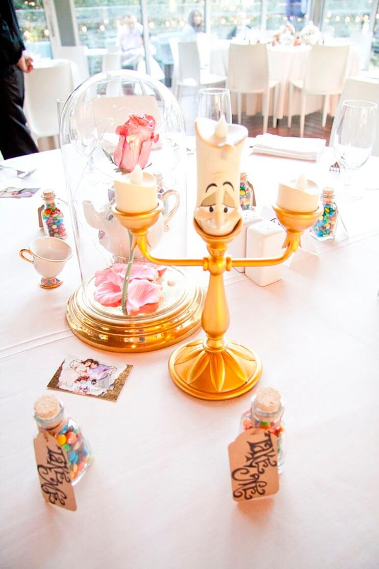 esta-boda-tuvo-un-adorno-de-disney-diferente-en-cada-centro-de-mesa-4