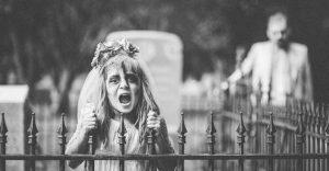 Esta fotógrafa hace con su hija y esposo las fotos más alucinantes para halloween