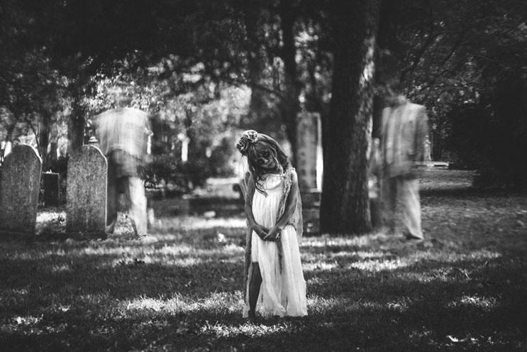 esta-fotografa-hace-con-su-hija-y-esposo-las-fotos-mas-alucinantes-para-halloween-9