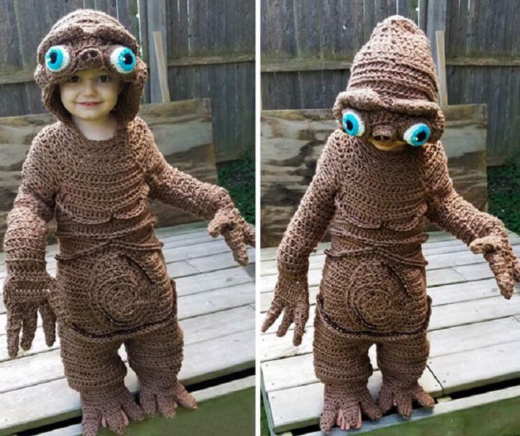 esta-madre-hace-los-mas-divertidos-disfraces-a-crochet