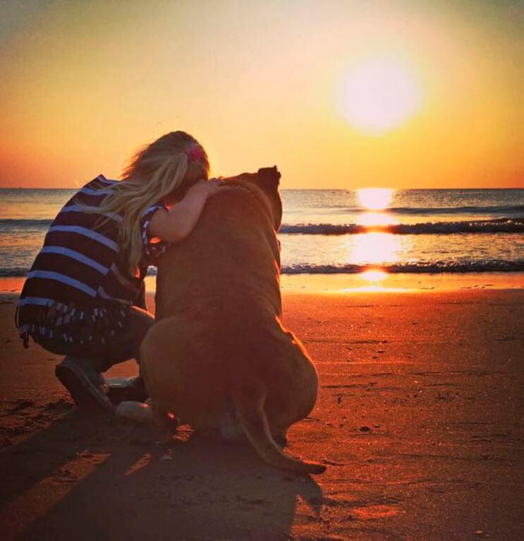 esta-nina-se-despide-de-su-mejor-amigo-perro-en-estas-emotivas-fotos-tomadas-por-su-padre-9