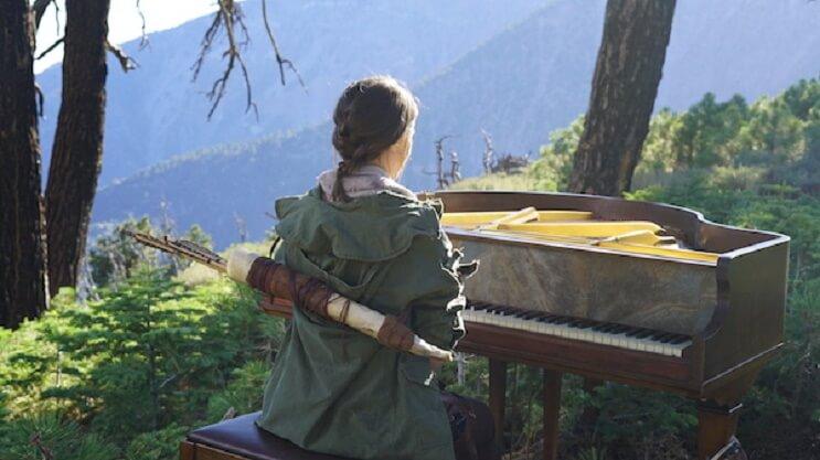esta-pianista-y-cosplayer-rinde-un-homenaje-a-tomb-raider-que-sorprendera-3