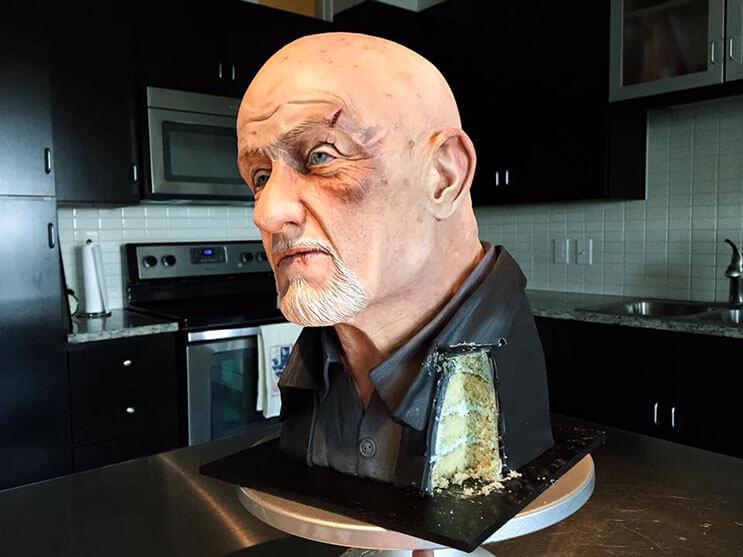 Esta torta de Breaking Bad luce igual que el personaje original