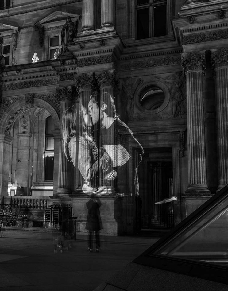 estas-proyecciones-llenaron-de-afecto-las-calles-de-paris-18