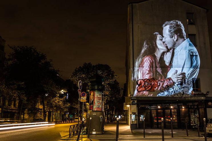 estas-proyecciones-llenaron-de-afecto-las-calles-de-paris-19