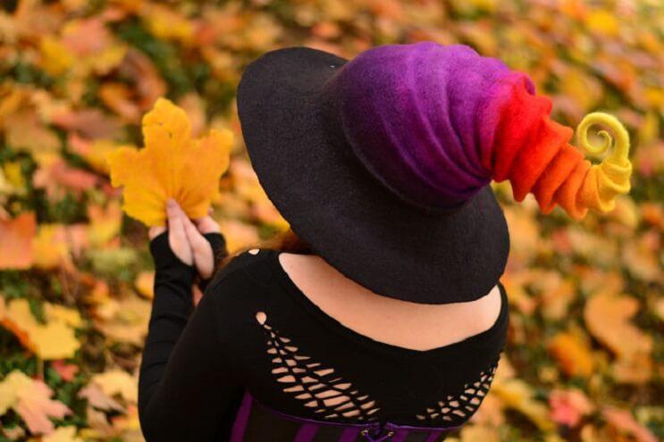 estos-sombreros-de-bruja-son-puro-estilo-y-color-06