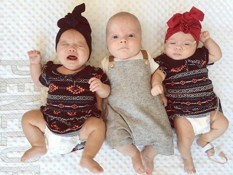 estos-trillizos-se-han-convertido-en-los-modelos-mas-adorables-que-hay-6