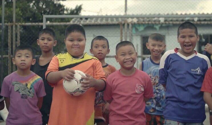 inusuales-campos-de-futbol-en-bangkok-05