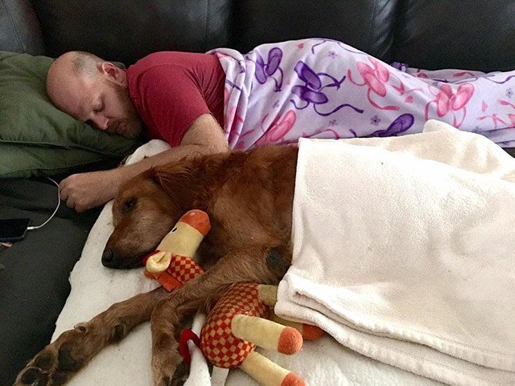 la-historia-de-este-perro-con-cancer-y-el-carro-que-su-dueno-le-construyo-los-conmovera-4