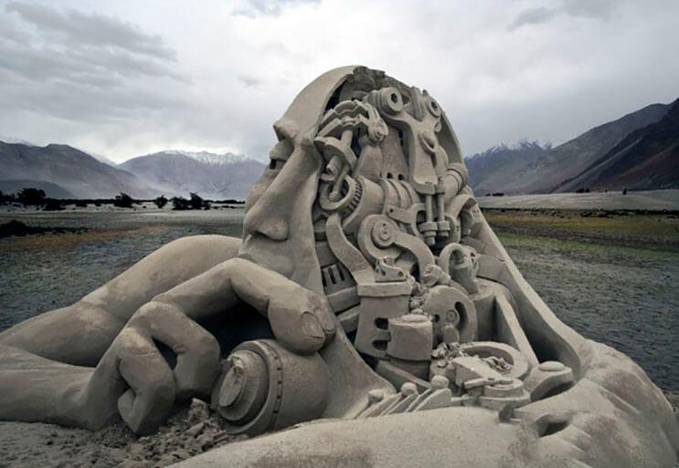 lo-que-hace-este-escultor-con-la-arena-le-da-un-nuevo-significado-al-dia-de-playa-1