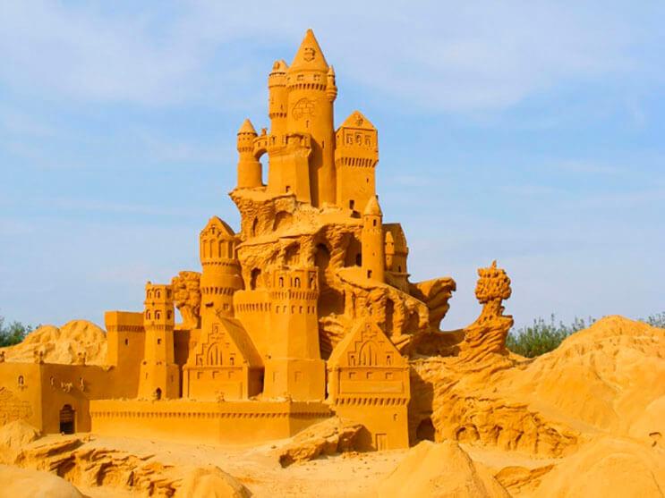 lo-que-hace-este-escultor-con-la-arena-le-da-un-nuevo-significado-al-dia-de-playa-11