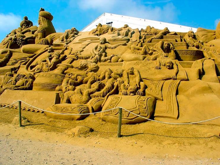 lo-que-hace-este-escultor-con-la-arena-le-da-un-nuevo-significado-al-dia-de-playa-16