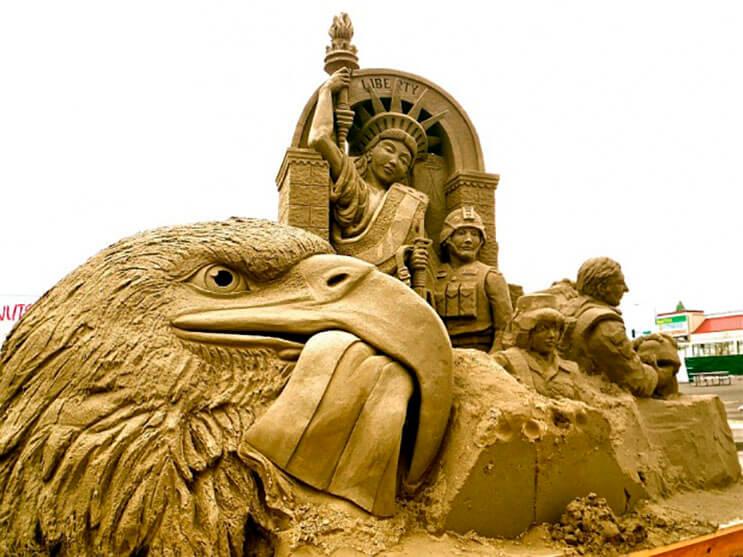 lo-que-hace-este-escultor-con-la-arena-le-da-un-nuevo-significado-al-dia-de-playa-2